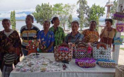 Handicrafts of women's group Bellapeska